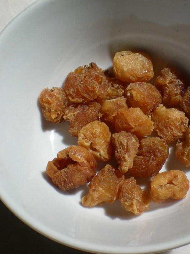 Dried longan ( mata kuching)